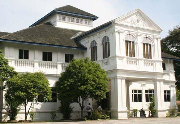 Main Campus Library Building